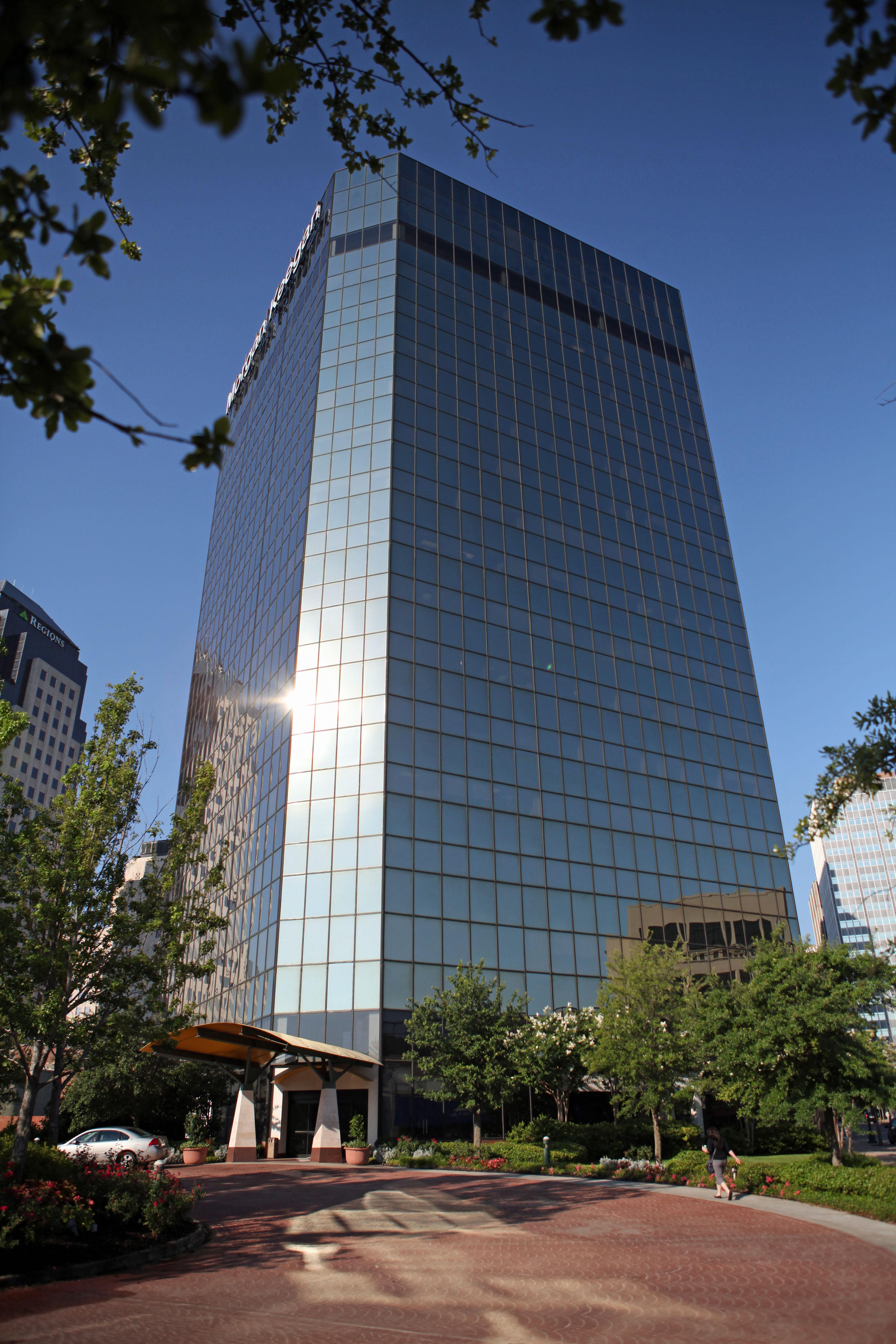 571-Building-Exterior16729